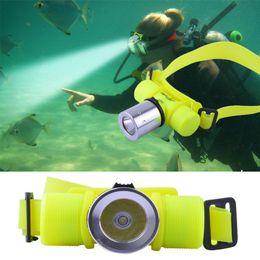 Guanti Neopren per pesca subacquea Man Cree Xm-q5 Led Underwater Waterproof 60m Faro per immersione subacquea Faro per torcia elettrica per immersione Torcia per lampada frontale da lampada a led di immersione fornitori