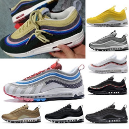 золотые кроссовки женские Скидка 2018 97 Mens Shoes Womens Running Shoes Cushion OG Silver Gold Sneakers Sport Athletic Men 97 Sports Outdoor Shoes air SZ5.5-11