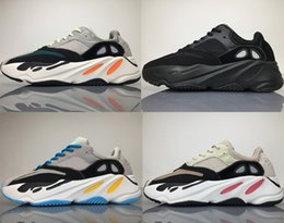 promo code d9210 98f0e 700 Wave Runner Grey Orange OG B75571 2018 Los más nuevos Kanye West  Classic Hombres Mujeres Retro Running Shoes Moda Thicken Sole Sports Sneaker