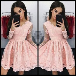 Wholesale Embroidery Cocktail Dresses - Pink Vintage V Neck Short Homecoming Dresses 2018 Long Sleeves Full Lace Tulle Formal Cocktail Party Wear Graduation Gowns