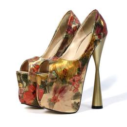 Tamanho europeu 34 sapatas on-line-Estilo Europeu Sapatos Femininos Impressão Pintada Moda Super High Heels Height 20 cm Bombas com Plataforma Peep Toe Tamanho: 34--43