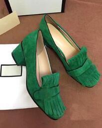 2019 zapatillas negras Borlas de punta redonda Tacones gruesos Zapatos de mujer Hebilla de metal Cuero genuino Moda Zapatos de tacón alto Oro Naranja Rojo Verde Señoras Bombas