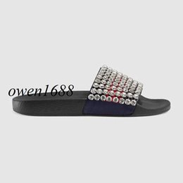 Wholesale Boy Slides - 2018 new arrival mens and womens fashion crystal-embellished leather and rubber slide sandals boys girls causal flat beach slippers