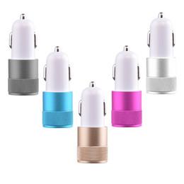 наименьшее зарядное устройство для телефона Скидка Универсальное автомобильное зарядное устройство 2.1V Double USB для мобильных телефонов Зарядное устройство для небольших стальных пушек Car Car Car Kit