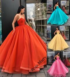 Prenses Mercan Sarı Balo Quinceanera Gelinlik Modelleri 2020 Korse Artı Boyutu Ruffles Arapça Afrika Ucuz Örgün Akşam Parti Törenlerinde nereden