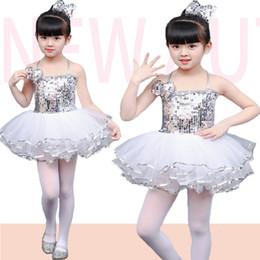 2019 ropa de jardín de infantes (10 sets) rendimiento infantil ropa de lentejuelas de jardín de infantes trajes de baile de jazz Princesa falda de baile enmarañado con pantalón blanco rebajas ropa de jardín de infantes