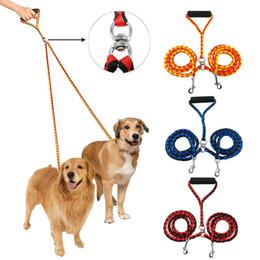 Entrenamiento de varios perros online-Correa doble para perros para dos perros Acoplador trenzado sin correas de 47 pulgadas de doble correas para caminar y entrenar Dos perros 3 colores