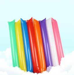 Bastoni di puntelli online-Bastone gonfiabile colorato combattimento riutilizzabili rifornimenti di partito Tifo allegro pieghevole puntelli creativi Plastica di alta qualità durevole 0 16my jj