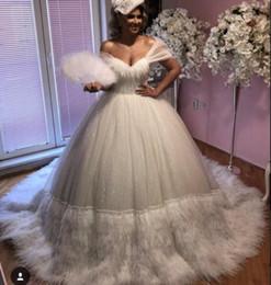 Robe de soirée robe longue manches courtes cristal plume v-cou tulle robe de bal blanche belle moderne classique zdr ? partir de fabricateur