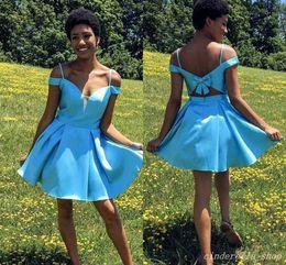 vestiti da promenade del breve abito dell'arco Sconti 2018 Sky Blue Short Homecoming Abiti Spaghetti Backless Bow Mini Prom Abiti da festa per Junior Student Cocktail Dress
