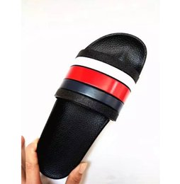 2018 Black Rubber Slide Sandal Slippers Green Red White Stripe Fashion  Design Men Women with Box Classic Ladies Summer Flip Flops e92f34456