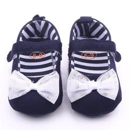 Argentina 2017 Otoño Bebé Niñas Zapatos de suela suave azul marino Denim con encaje blanco Bowknot zapatos de lona para niños Zapatos de lona supplier navy blue shoe laces Suministro
