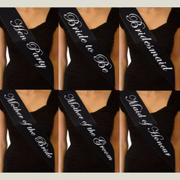 Faja negra de moda online-Fajas de raso de una sola capa para mujer Faja de fiesta de gallina negra Letras inglesas blancas Faja de hombro Fashion 1 9as BB