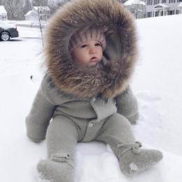 Mamelucos siameses online-2018 niños de invierno cálido mono bebé de algodón con capucha con piel infantil chaqueta de tejer abrigo siameses recién nacido mamelucos ropa de escalada