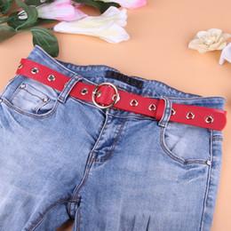 cinturón para mujer de moda grande. Rebajas Gran Agujero Cinturón de Metal Para Las Mujeres de La Muchacha de Cuero de LA PU Hip-pop Cinturón Jeans Accesorios 105 cm colores multi moda nueva llegada envío gratis rápido