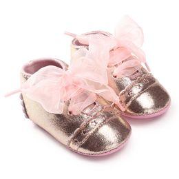 009dc084b3593 chaussures bébés brillants Promotion Enfants    s chaussures bébé brillant  or argent style papillon noeud