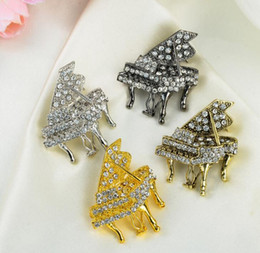 piano accessories Coupons - Small Size Piano With Crystal Brooch Multicolor Musical Instruments Pins Wedding Jewelry Corsage Korean style clothing accessories