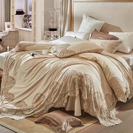 Französische bettwäsche online-Champagne Farbe Französisch Stil Luxus Spitze Stickerei 100 S ägyptische Baumwolle Bettwäsche Set Bettbezug Bettwäsche Bettlaken Kissenbezüge