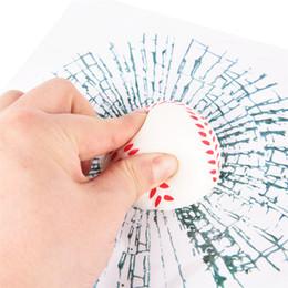 2019 3d ball window sticker Divertente Adesivo per finestra Auto Decalcomanie Adesivi per palline 3D Baseball Tennis Accessori per il calcio Palla Hits Wall Styling 3d ball window sticker economici