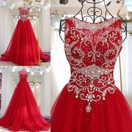 2020 abiti rossi lucidi per prom 2018 Vestido De Noiva Shiny Bordare Crystal Prom Dresses Red Scoop Prom Dress Donne abiti da cerimonia del vestito formale sconti abiti rossi lucidi per prom