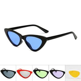 Wholesale Cat 15 - 15 Colors Luxury Triangle Sunglasses Women Fashion Cat Eye Lady Sun Glasses Brand Designer Small Frame Eyewear CCA9310 30pcs