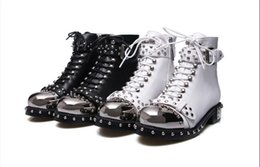 Wholesale Show Low Heel - 2018 New Fashion Show Short Boots Iron Low Heel Rivet Knight Boots Round Toes Side Zipper Chunky Heel Martin Boots