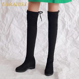 2019 botas de tacón caliente de invierno SARAIRIS 2018 de gran tamaño 30-50 Slip On Hot Sale Add Botas de piel hasta la rodilla Botas de mujer Zapatos de mujer Incremento de tacones Botas rebajas botas de tacón caliente de invierno