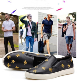 Wholesale Shoes Europe Men - Europe United States new embroidery lazy flat sports leather shoes loffar shoes fashion men black board shoes