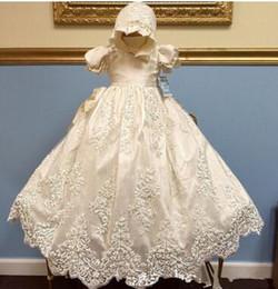 Vestido de batismo de bebê vintage on-line-New Royal Baby Palácio Lace Tira Broca Bebê Batismo Terno Do Batismo Do Vintage Vestidos de Manga Curta Batismo Vestidos Frete Grátis