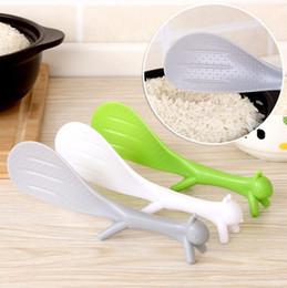 2019 cuchara en forma de cucharón Herramienta de cocina especial para cucharones Cocina coreana linda Moda Supplie Ardilla con forma de ardilla Antiadherente Cuchara de arroz con paleta cuchara en forma de cucharón baratos