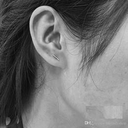 2019 paare ohrstecker Japanische und koreanische Version des einfachen Ohrrings des Temperaments der wilden Persönlichkeit des Wortstabpaares modelliert freies Großhandelsverschiffen günstig paare ohrstecker