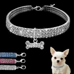 collare di cane medio rosa Sconti Bling Strass Collare per cani Cucciolo di cristallo Chihuahua Collari per cani Pet Guinzaglio per cani di taglia piccola Medium Mascotas S M L Rosa Blu Bianco