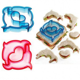 "cutters molds Promo Codes - 3.3""~4.7"" Cookie Cutter Plastic Sandwich Cut 9 Styles Bread Molds Baking Tools Kitchen Gadgets"