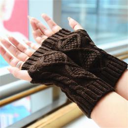 Deutschland YJSFG HAUS Mode Frauen Wolle Strickhandschuhe Rhombic Design Winter Warme Handschuhe Half Finger Fäustlinge Schnee Handgelenk Mädchen White Glover cheap white wool gloves Versorgung