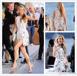 Wholesale Blake Lively Blue Dress - Cannes Film Festival Blake Lively Beaded Celebrity Evening Dresses Bateau Neck Lace Short Prom Gown With Detachable Train Cocktail Dress