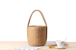 sacos de corda de papel Desconto Atacado 2018 dupla alça de corda de papel tecido saco saco de palha lenço cor sólida cilindro retro férias balde saco de praia
