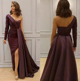 Wholesale One Sleeve Prom Dresses Sparkly - 2018 Sparkly Mermaid Burgundy Mermaid Prom Dresses Sexy One Shoulder Long Sleeves Lace Appliqued Side Split Formal Evening Gowns BO7449