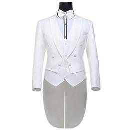 2019 tuxedo alla moda e alla moda Marchio Tuxedo Men Suit 2016 Nuovo Arrial Mens Slim Fit Prom Smoking per gli uomini Elegante sposo Abiti da sposa per Costume bianco Homme tuxedo alla moda e alla moda economici