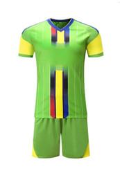 Costume feito uniforme on-line-Terno de futebol novo dos homens custom made treinamento terno de alta qualidade 5 cores uniforme de futebol camisa de futebol jersey