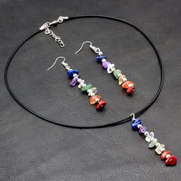 2019 chakra ohrringe Chakra 7 Farben Freeform Kies natürlichen Quarz Stein Perlen Ohrringe und Anhänger Halskette Schmuck-Sets rabatt chakra ohrringe