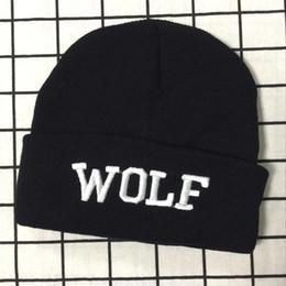 Kpop EXO Lobo Preto Letra Malha De Lã Gorro Chapéu Moda Inverno Quente Cap supplier black wolf hat de Fornecedores de chapéu de lobo preto