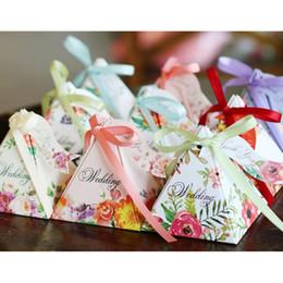 exquise et à la mode Triangles Fleur Bonbons En Papier Chocolat Boîte De Cadeau Pour Mariage Anniversaire Tea Party 093 ? partir de fabricateur