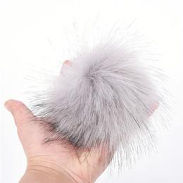 Argentina DIY Faux Fur Pom Poms llavero 10 cm / 3.9 pulgadas Fluffy Pom Ball con lazo elástico para sombreros llavero accesorios nueva moda Suministro
