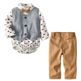 Wholesale girls printed waistcoat - Baby boys outfits 2018 new toddlers fox printed long sleeve romper+gray waistcoat+khaki leisure pants 3pcs sets kids cotton clothing A00405
