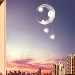 luces de techo colgantes para dormitorio Rebajas Moderno Personalizado Moon Star Araña Niños Dormitorio Lustres colgando con 5 Luces G4 lámpara de techo decorativa casera Iluminación del accesorio