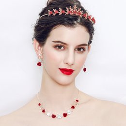orecchino di rosa collana di rosa Sconti Fashion Red Wedding Jewelry Set per spose Red Rose Diademi e corone Collana orecchini Set accessori da sposa da sposa JCE037