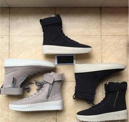 Botas militares de invierno online-Miedo a dios Zapatillas de deporte militares Hombres Zapatos de diseño Botas Otoño Invierno Botas del ejército al aire libre Botas para hombre altas