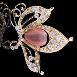Wholesale South Korea Cat - South Korea imported high-grade rhinestone brooch high-end cats eye pins personalized clothing butterfly-shaped boutique brooch A-195
