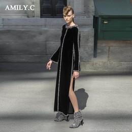 9a61557310d 2018 nouvelle chic luxe perles de couleur design noir longue robe sexy  split manches longues en gros célébrité partie robe de velours
