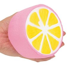 яблочные молниеотводы Скидка Jumbo kawaii моделирование фрукты желтый / розовый лимон медленный рост Squishies душистые лимон болотистый стресс помощи игрушка прелести Рождественский подарок